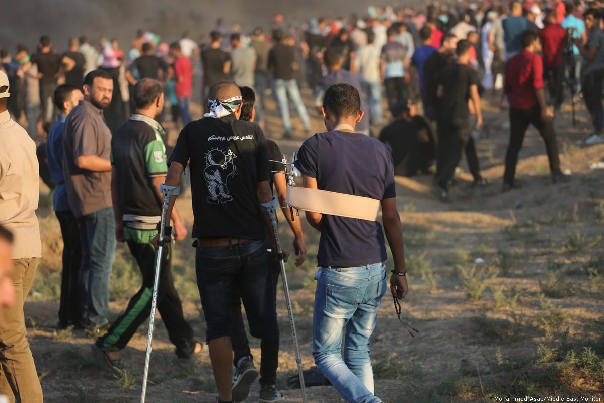 210 unarmed Palestinians were injured as they took part in the Great March of Return protests in the Gaza Strip on 7 September 2018 [Mohammed Asad/Middle East Monitor]
