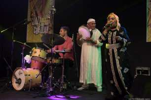 Moroccan singer Hadda Ouakki (R) and Slovenian trumpet artist Igor Matkovic perform during the second day of 23rd Chellah Jazz Festival at Ancient Chellah City in Rabat, Morocco on 14 September 2018 [Jalal Morchidi/Anadolu Agency]