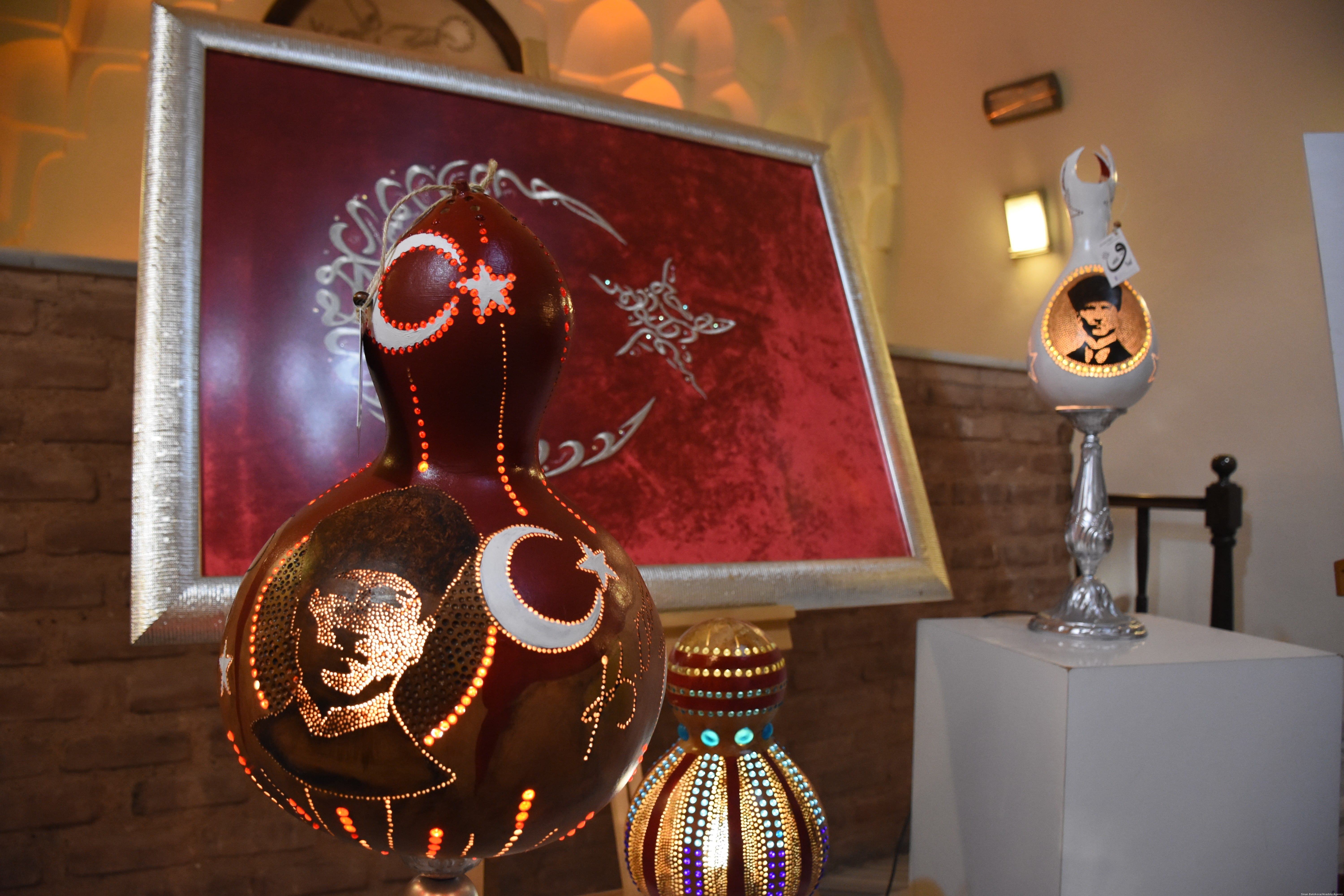 Beautiful lamps made of… pumpkins? – Middle East Monitor
