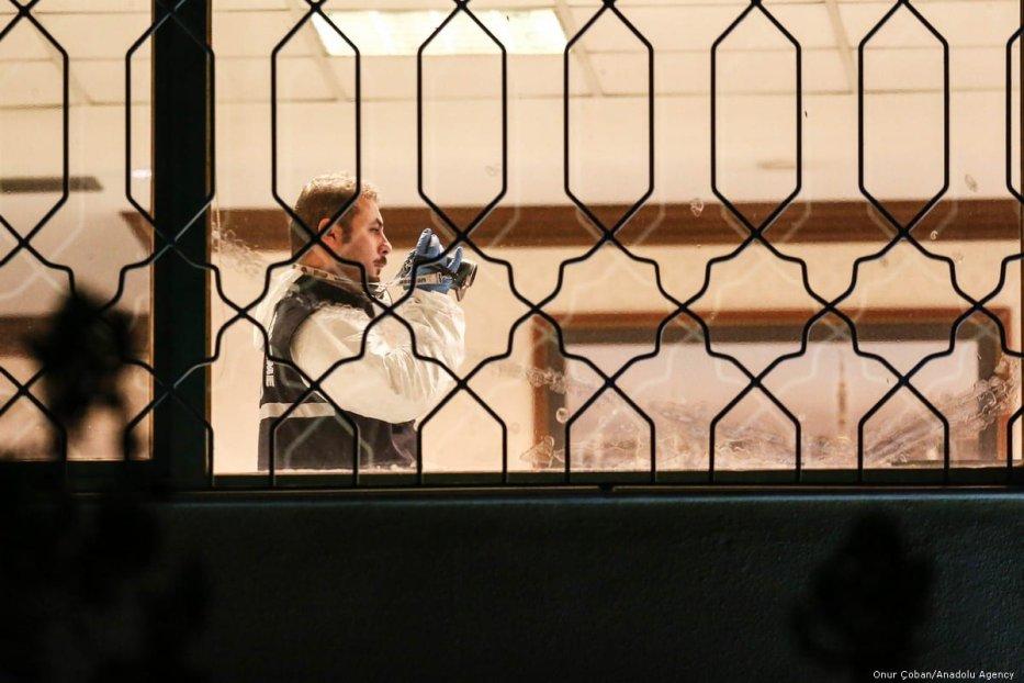 Turkish crime scene investigation team inspects the Consulate General of Saudi Arabia in Istanbul, Turkey for the case of the missing journalist Jamal Khashoggi on 15 October 2018 [Onur Çoban/Anadolu Agency]