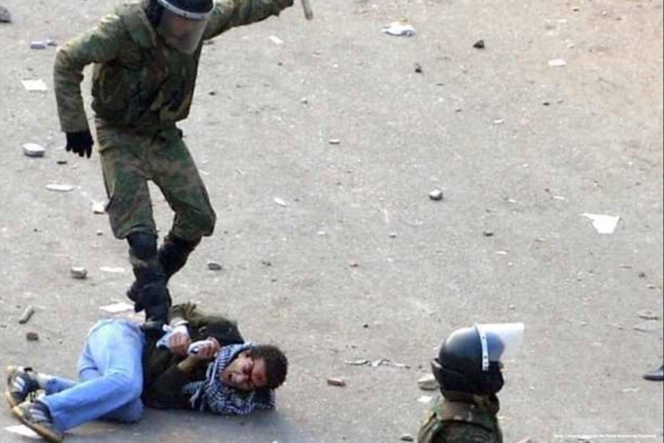 Egyptian forces can be seen brutally beating up an Egyptian on 23 May 2015 [Body Cameras Required for Police Worldwide/Facebook]