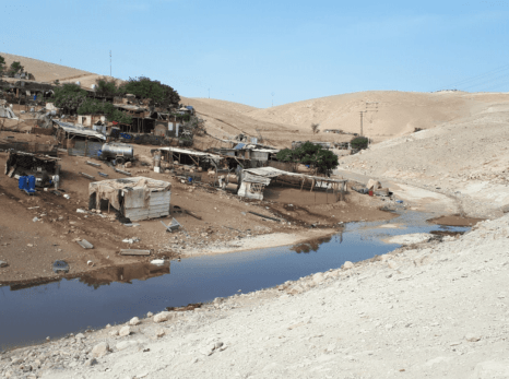 Israeli settlers flood Khan al Ahmar with wastewater [Twitter]