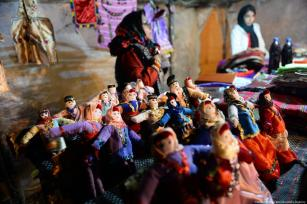 Check out these fabulous little dollies! Iran, 20 November 2018 [Fatemeh Bahrami/Anadolu Agency]