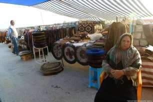 Turkmen sell their handicrafts at the traditional bazaar in Iran, 21 November 2018 [Fatemeh Bahrami/Anadolu Agency]