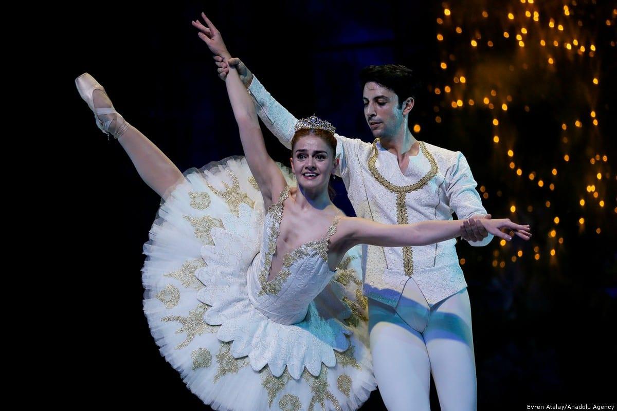 Izmir State Opera and Ballet dancers perform during general rehearsal of Pyotr Ilyich Tchaikovsky's Nutcracker premiere in Turkey on 21 December 2018 [Evren Atalay/Anadolu Agency]