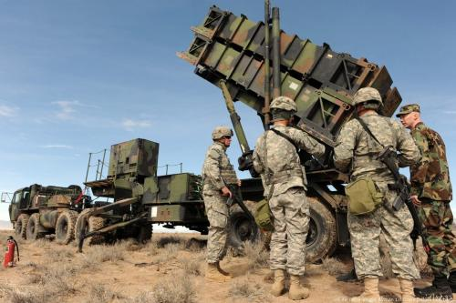US soldiers can be seen with patriot missiles [US Air Force photo/ Airman 1st Class Debbie Lockhart]