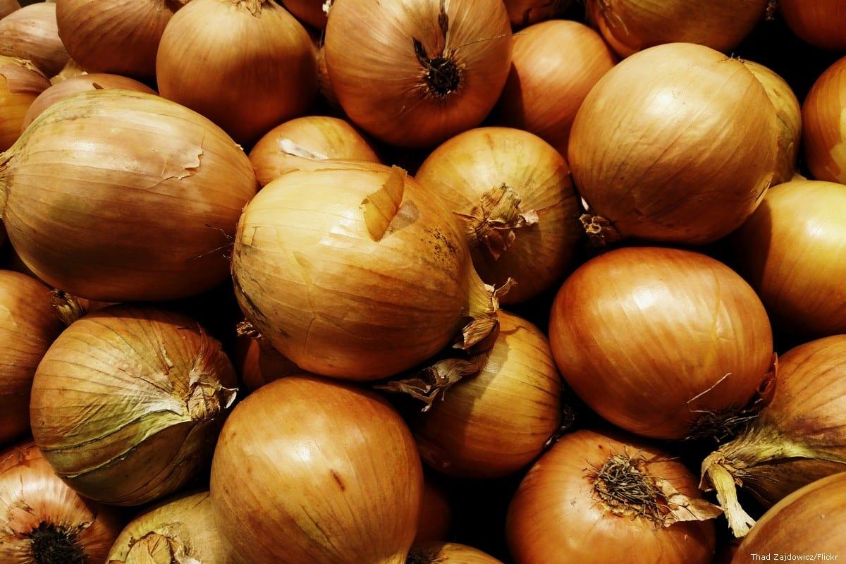 Pile of onions [Thad Zajdowicz/Flickr]