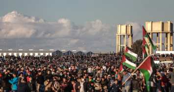 "Palestinians gather to stage a protest within ""Great March of Return"" demonstrations in Shuja'iyya neighborhood of Gaza City, Gaza on January 18, 2019. ( Ali Jadallah - Anadolu Agency )"