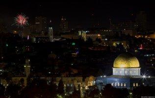 Fireworks light up the sky during the new year celebrations in Jerusalem on December 01, 2019. ( Mostafa Alkharouf - Anadolu Agency )