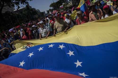 Supporters of Venezuelan President Nicolas Maduro in Caracas, Venezuela on 2 February 2019 [Marcelo Perez Del Carpio/Anadolu Agency]
