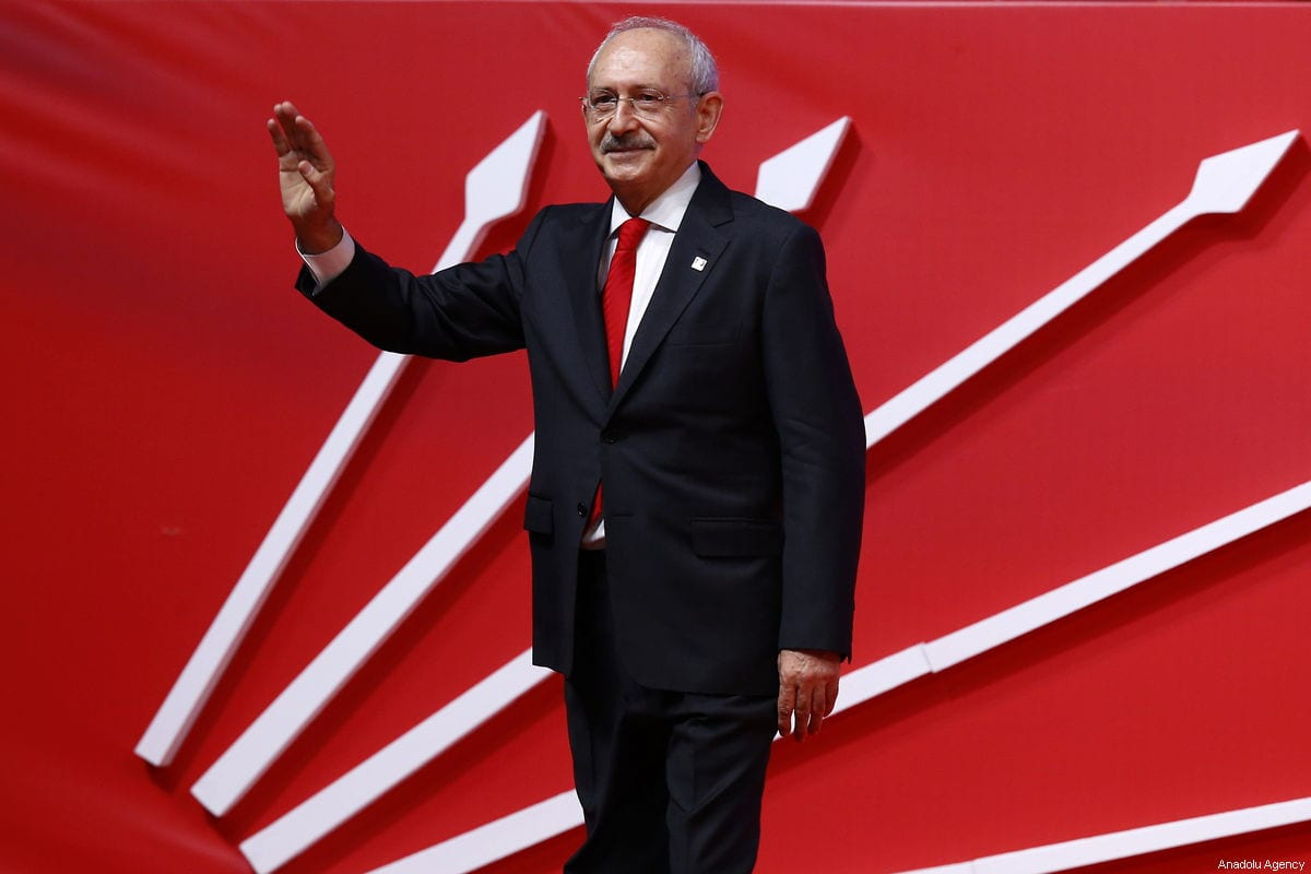 Chairman of the Republican People's Party (CHP) Kemal Kilicdaroglu greets the crowd during CHP's meeting on presentation of candidates on February 10, 2019 at the Ankara Sports Hall in Ankara, Turkey. ( Mehmet Ali Özcan - Anadolu Agency )