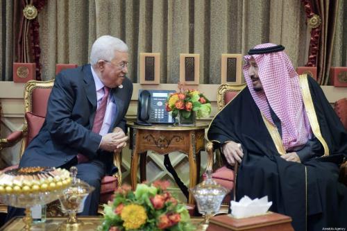 Palestinian President Mahmoud Abbas (L) meets King of Saudi Arabia, Salman bin Abdulaziz Al Saud (R) in Riyadh, Saudi Arabia on 12 February 2019. [PALESTINIAN PRESIDENCY / HANDOUT - Anadolu Agency]