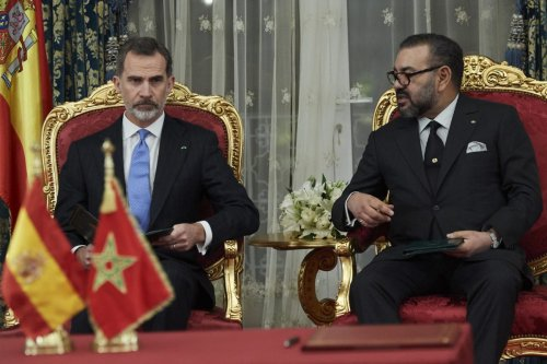 King Felipe VI of Spain (L) and King Mohammed VI of Morocco (R) attend the signing of bilateral agreements at the Agdal Royal Palace on February 13, 2019 in Rabat, Morocco [Carlos Alvarez/Getty Images]