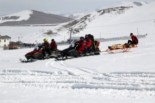 National Medical Rescue Team attend an avalanche drill in collaboration with National Disaster and Emergency Management (AFAD) teams and Van Provincial Gendarmerie Command, in Van, Turkey on March 12 2019 [Necat Hazar/Anadolu Agency]