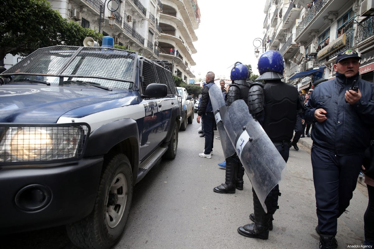 Algerian police prepare to face off against university students gathered to protest against the fifth term of Algerian President Abdelaziz Bouteflika in Algiers, Algeria, on 26 February 2019 [Farouk Batiche / Anadolu Agency]