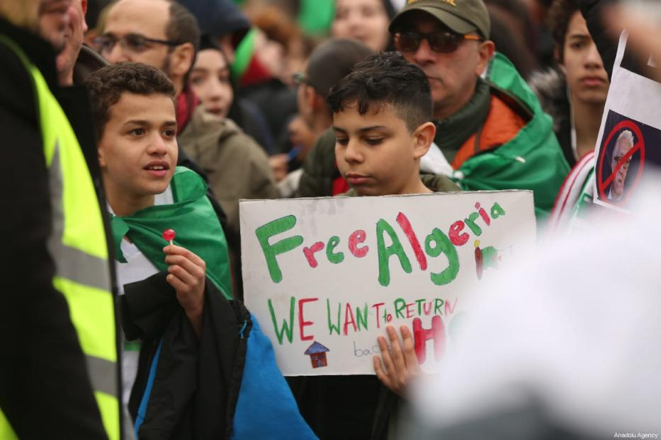 People stage a demonstration demanding regime change in Algeria at Trafalgar Square in London, United Kingdom on 16 March, 2019 [Tayfun Salcı/Anadolu Agency]
