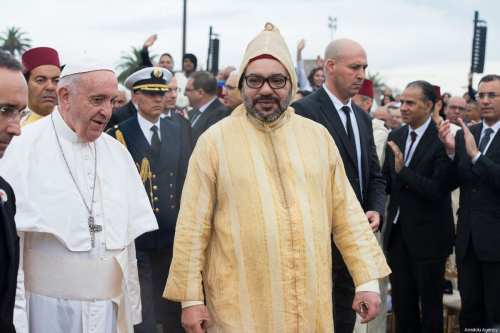 Pope Francis seen with King Mohammed VI of Morocco in Rabat, Morocco on March 30, 2019 [Jalal Morchidi / Anadolu Agency]