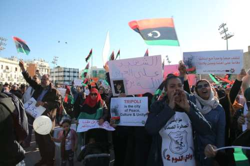 People attend a protest against Libyan military commander Khalifa Haftar's offensive to seize Tripoli, on 12 April 2019. ( Hazem Turkia - Anadolu Agency )