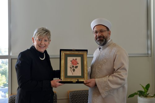Head of Turkey's Religious Affairs Directorate Ali Erbas (R) visits Christchurch Metropolitan Mayor Lianne Dalziel (L) to give his condolence for victims of twin terror attacks on Christchurch mosques, on 15 April, 2019 in Christchurch, New Zealand [Recep Şakar/Anadolu Agency]