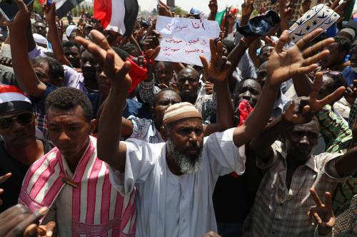 Sudanese demonstrators gather to protest demanding a civilian transition government in front of military headquarters outside the army headquarters in Khartoum, Sudan on 3 May, 2019 [Mahmoud Hjaj/Anadolu Agency]