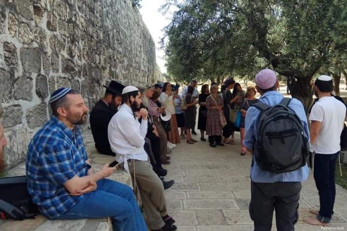 Settlers raid Al-Aqsa Mosque on first day on Ramadan 2019