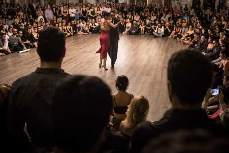 Argentine dancers and 2015 Tango World Champions Clarisa Aragon and Jonathan Saavedra dance for the crowd during during the three day-long Sultans of Istanbul Tango Marathon and Festival on 24 November, 2018 in Istanbul, Turkey [Chris McGrath/Getty Images]