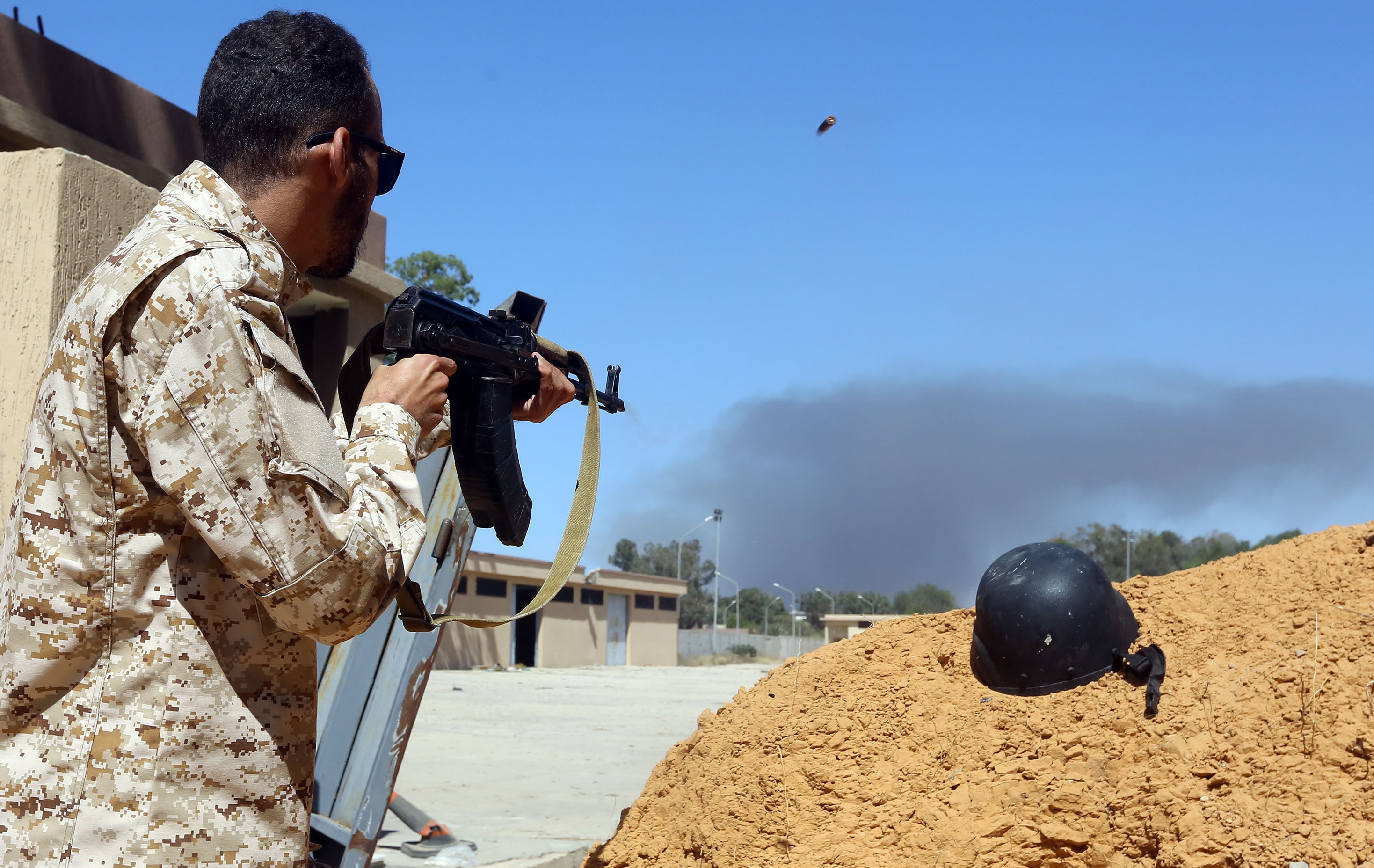 Violent clashes rage south of Libya's Tripoli