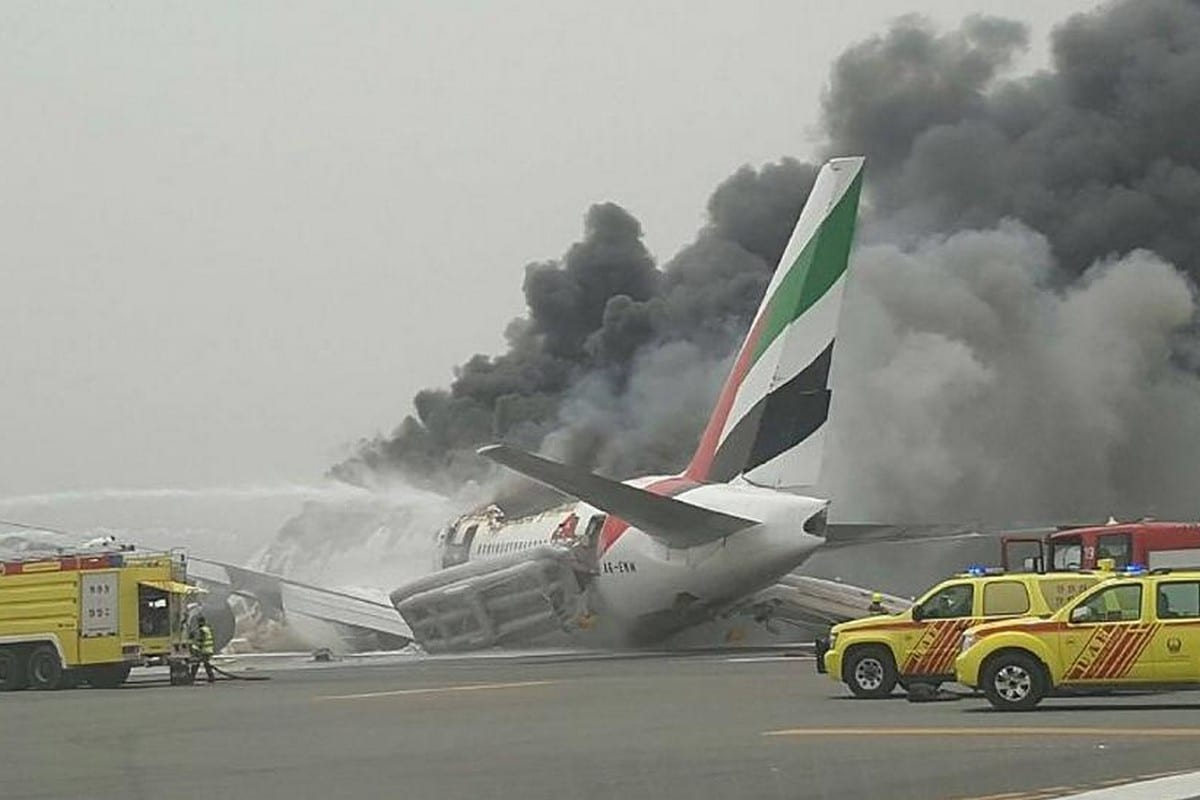 4 dead as plane crashes in Dubai – Middle East Monitor