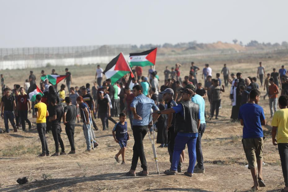 36 Palestinians were injured by the Israeli occupation forces, during the peaceful weekly Marches of Return, on Friday 26 July 2019 in the eastern Gaza Strip [Mohammed Asad/Middle East Monitor]