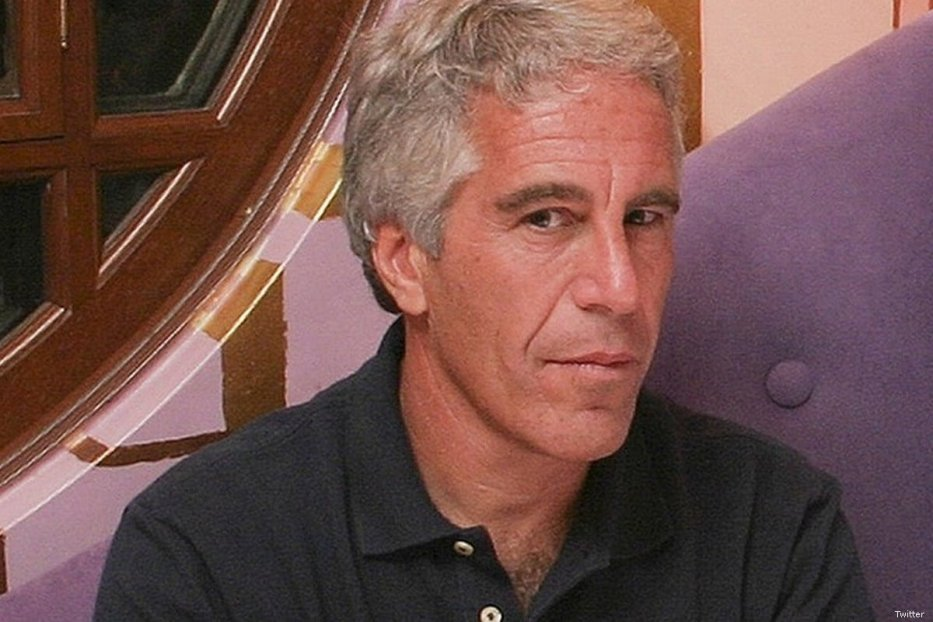 Jeffrey Epstein, US billionaire who was this arrested for sex trafficking underage girls [Twitter]