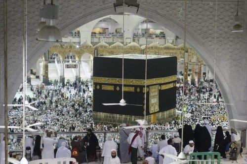 Muslim prospective Hajj pilgrims circumambulate the Kaaba at Masjid al-Haram in Makkah, Saudi Arabia on 12 August, 2019 [Halil Sağırkaya/Anadolu Agency]