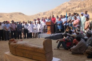 Egyptian Ministry of State for Antiquities Khaled El-Anany (R) speaks during the publicity of the wooden coffins, whose brightly-coloured decorations are still visible, to press members after they were uncovered at the Theban necropolis of Asasif in Luxor, Egypt on October 19, 2019 [EGYPT'S MINISTRY OF ANTIQUITIES / HANDOUT - Anadolu Agency]