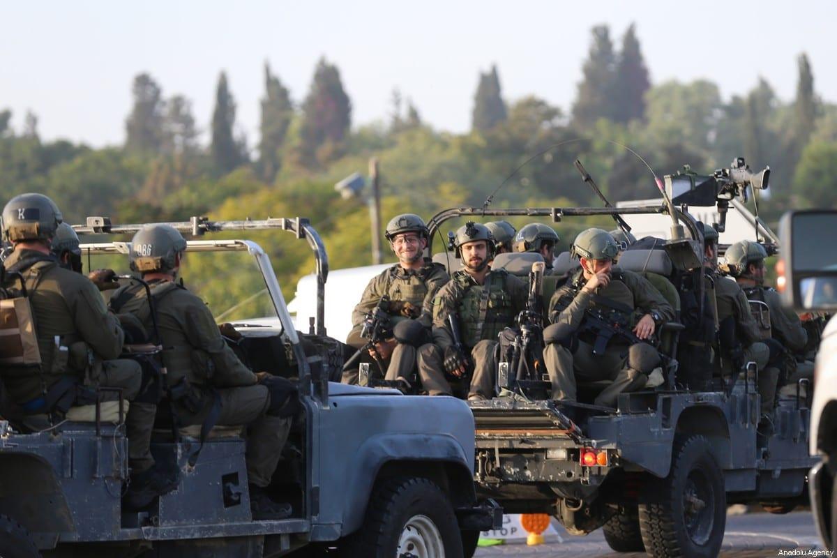 Israeli soldiers arrive to take measures around roads in the southern Israeli city of Sderot on November 13, 2019 [Mostafa Alkharouf - Anadolu Agency]