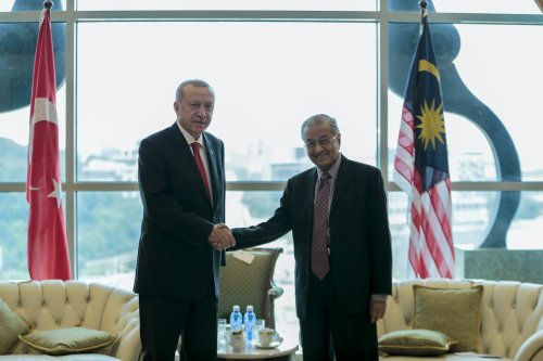 President of Turkey Recep Tayyip Erdogan (L) meets Prime Minister of Malaysia Mahathir Muhammed (R) in Putrajaya, Malaysia on 18 December 2019 [Metin Aktas - Anadolu Agency]