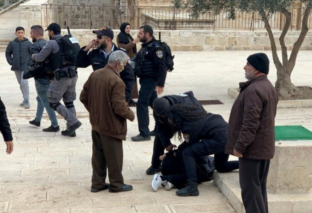 Israeli occupation forces arrest five Palestinians near Al-Rahma Gate (Gate of Mercy) at the Al-Aqsa Mosque compound in Jerusalem on 7 January 2020. [Jerusalem Islamic Waqf /Handout/ Anadolu Agency]