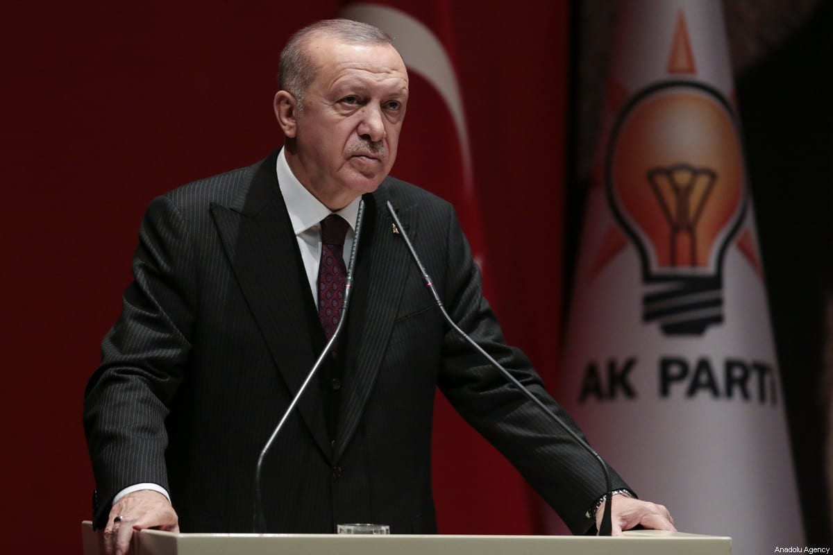 Turkish President and Leader of Turkey's ruling Justice and Development (AK) Party Recep Tayyip Erdogan delivers a speech during the extended meeting with provincial heads at the AK Party headquarters in Ankara, Turkey on 31 January, 2020 [Metin Aktaş/Anadolu Agency]