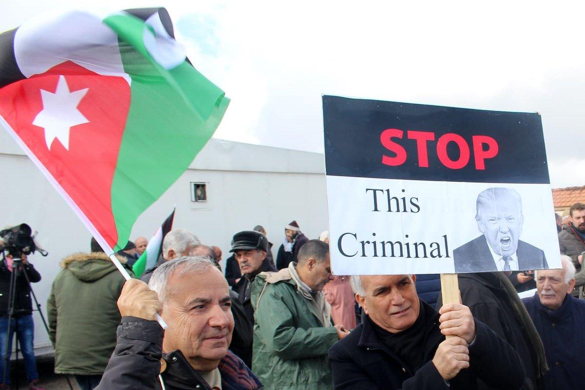 People gather to protest against US President Donald Trump's Middle East plan after Friday prayer, near US Embassy building in Amman, Jordan on 31 January 2020. [Laıth Al-jnaıdı - Anadolu Agency]