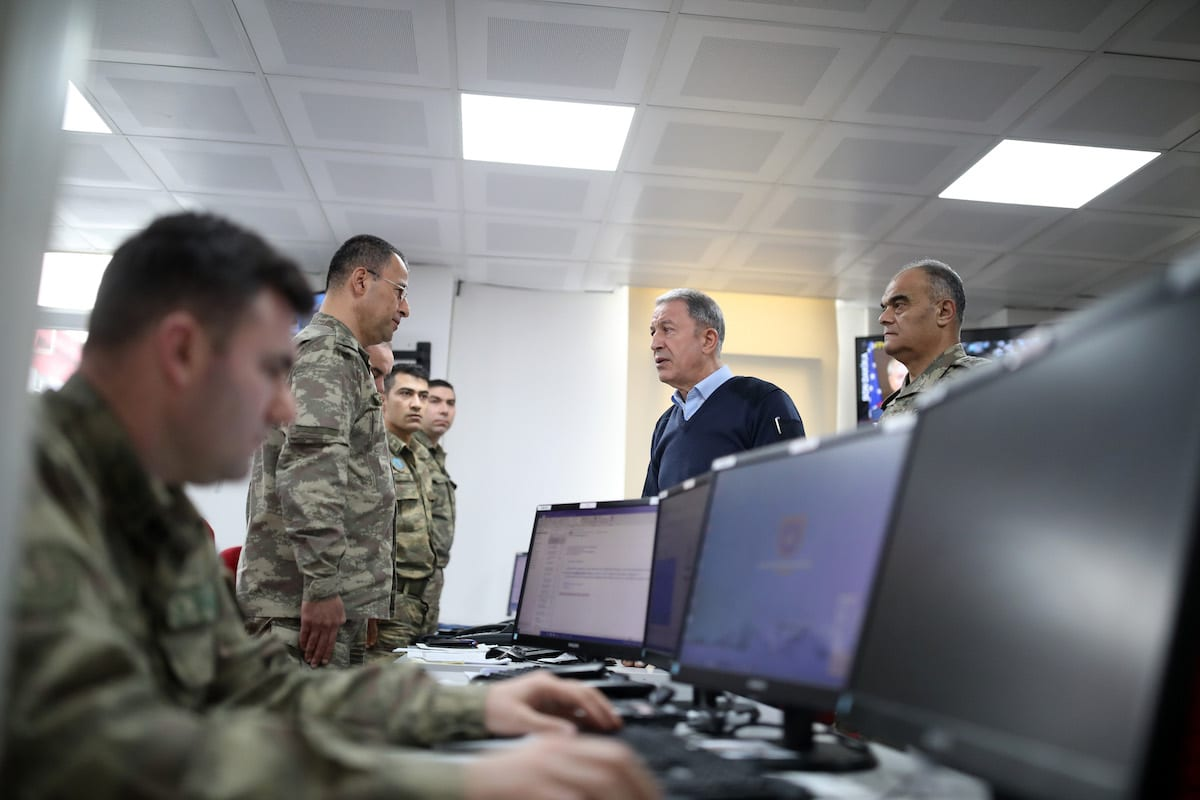 Turkish National Defense Minister Hulusi Akar and commanders-in-chief of armed forces inspect the operation by ground and air support units against Assad regime targets in Idlib from a center in Turkey's Hatay province, bordering Syria on 28 February 2020. [Arif Akdoğan - Anadolu Agency]
