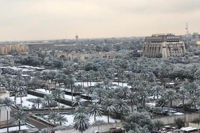 Snowfall in Baghdad [@Uncleebotv /Twitter]