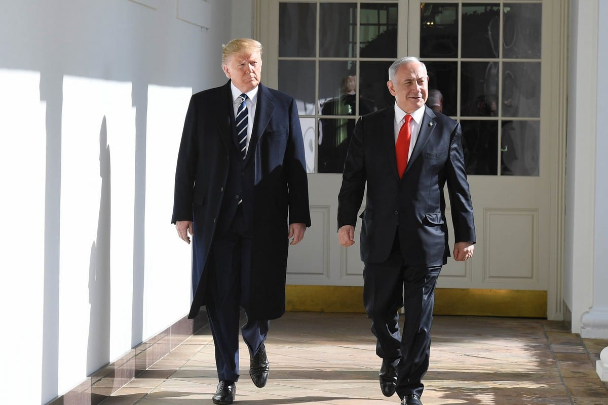 US President Donald Trump (L) and Israeli Prime Minister Benjamin Netanyahu (R) at the White House on 27 January 2020 in Washington, DC [Kobi Gideon/GPO/Anadolu Agency]