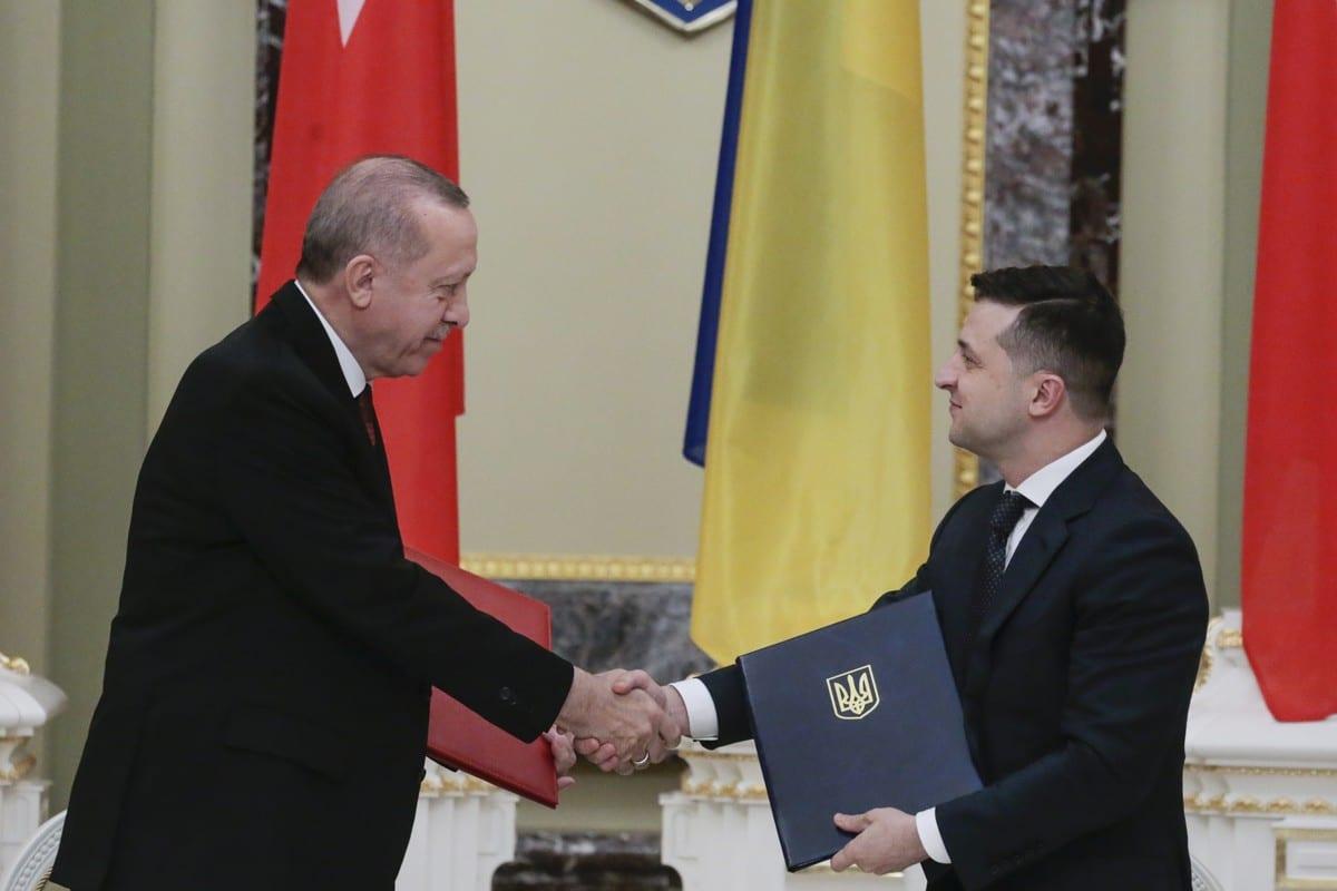 Turkish President Recep Tayyip Erdogan (L) and Ukrainian President Volodymyr Zelensky in Kiev, Ukraine on 3 February 2020 [Metin Aktaş/Anadolu Agency