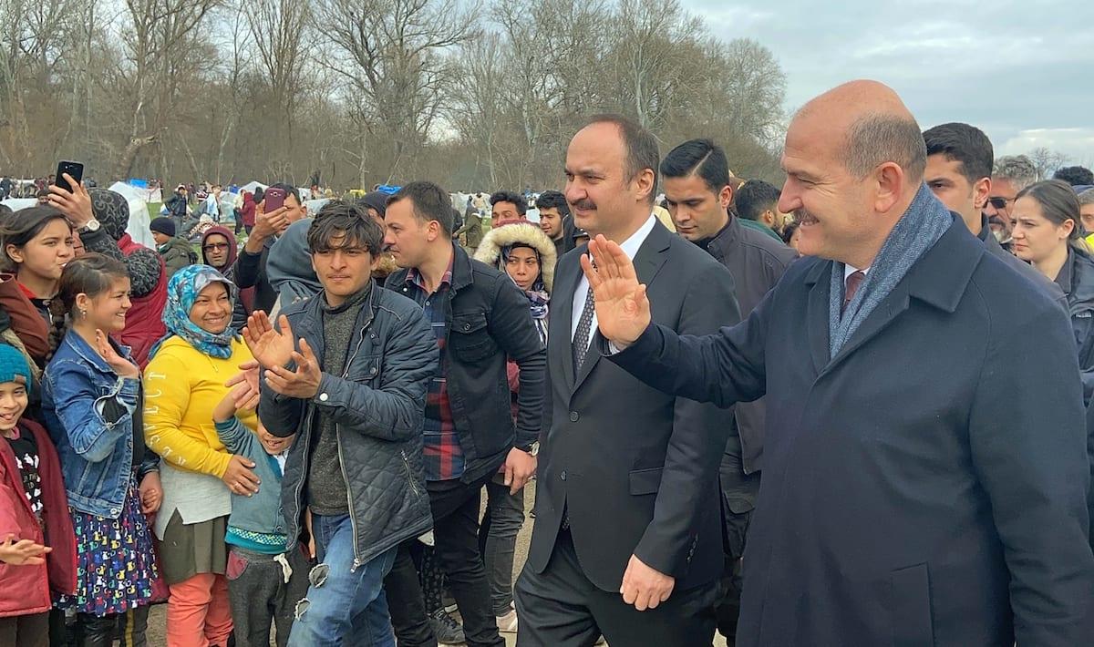 Turkish Interior Minister, Suleyman Soylu meets with asylum seekers waiting at the Pazarkule Border Gate as he Suleyman Soylu inspects the Turkish-Greek border in Edirne, Turkey on 5 March 2020 [Hakan Mehmet Şahin - Anadolu Agency]
