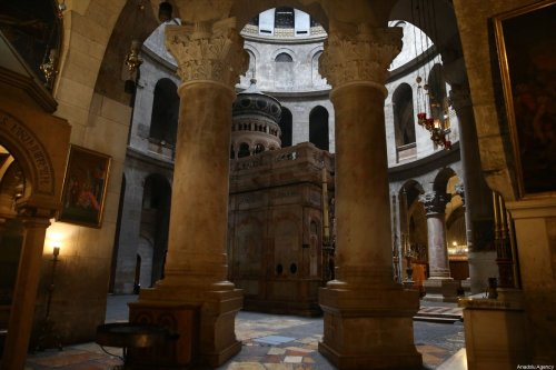 The Church of the Holy Sepulchre is seen empty after preventive measures against the coronavirus (Covid-19) pandemic are taken in Jerusalem on 23 March 2020. [Mostafa Alkharouf - Anadolu Agency]