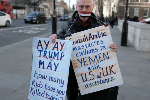 Protests in the UK against Saudi/UAE/US/UK's actions in Yemen [Alisdare Hickson/Flickr/cc]