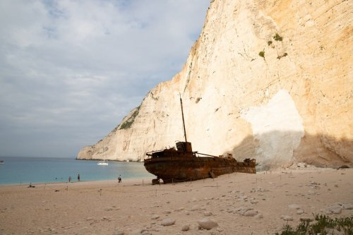 Shipwreck near the Mediterranean Sea on 16 October 2018 [dronepicr/Flickr]