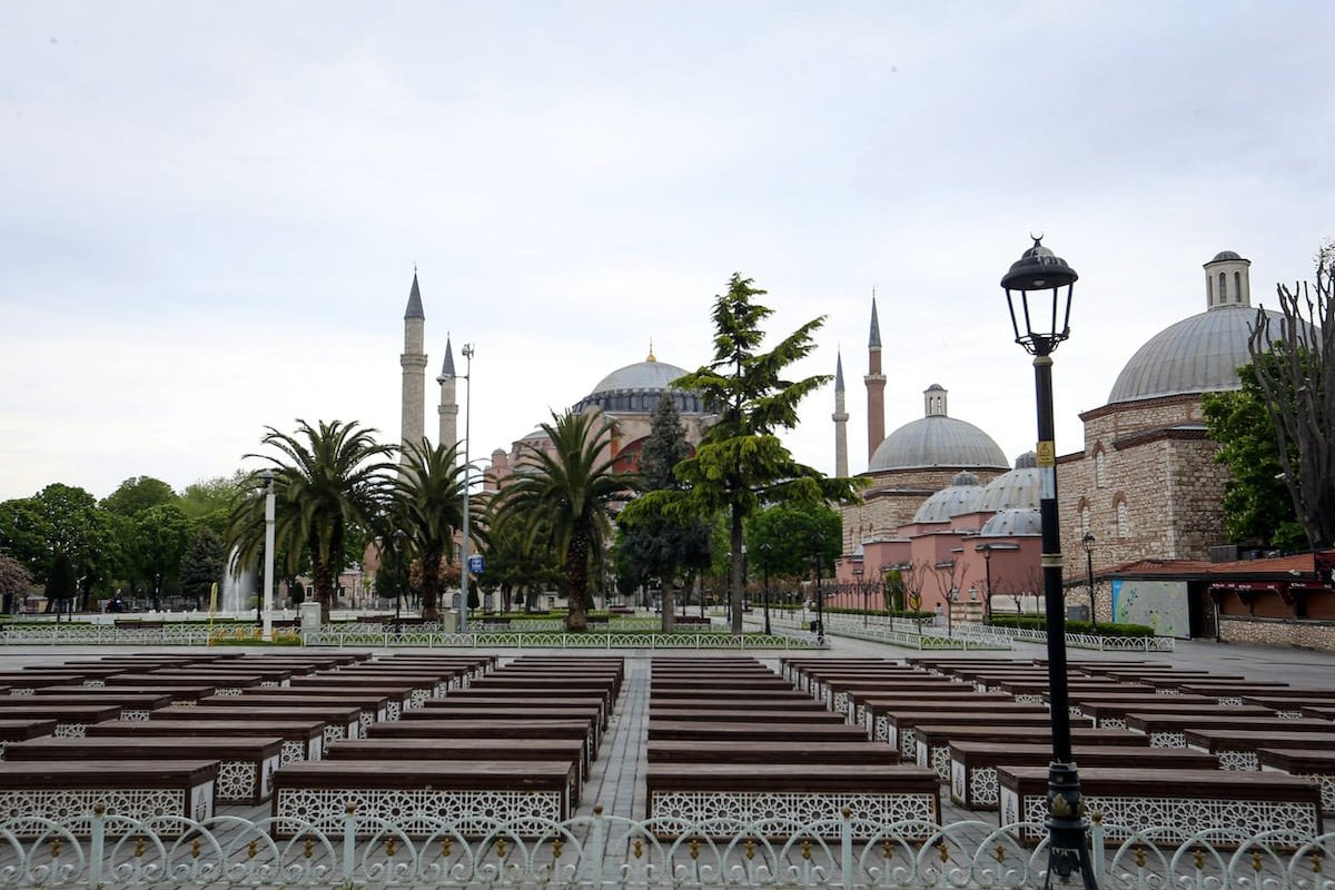 A general view of Hagia Sophia Museum and its surroundings remain empty due to the measures against the novel coronavirus (COVID-19) pandemic in Istanbul, Turkey on 3 May 2020. [Mehmet Eser - Anadolu Agency]