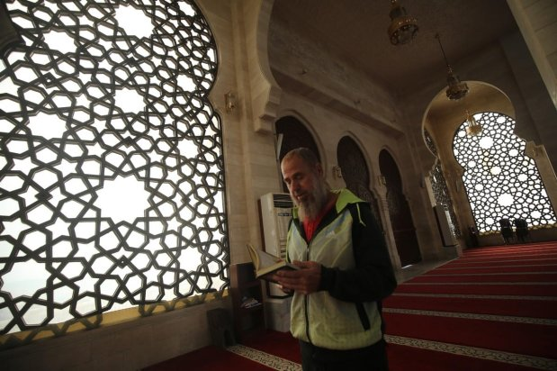 Mosques lie empty this Ramadan ins Gaza as worshippers distance in an effort to stop the spread of the coronavirus