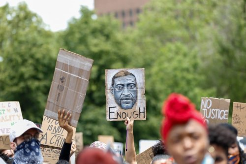 Protest over the death of George Floyd, an unarmed black man who was killed after being pinned down by a white police officer in Minneapolis, US, 2 June 2020 [Tayfun Coşkun/Anadolu Agency]