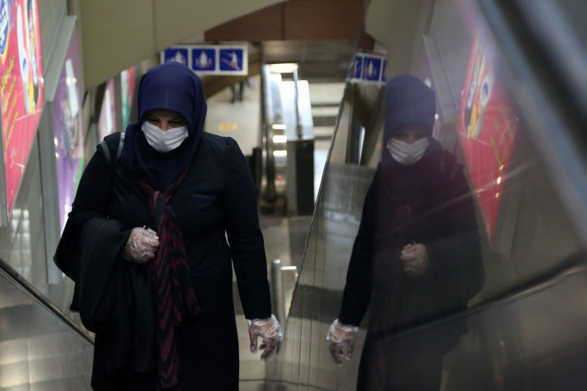 A woman wearing mask is seen at a metro station due to coronavirus (Covid-19) precautions in Tehran, Iran 15 June 2020 [Fatemeh Bahrami/Anadolu Agency]