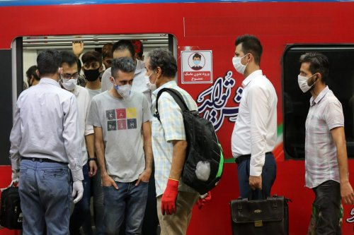 Citizens wearing masks are seen at a subway in Tehran, Iran 15 June, 2020 [Fatemeh Bahrami/Anadolu Agency]